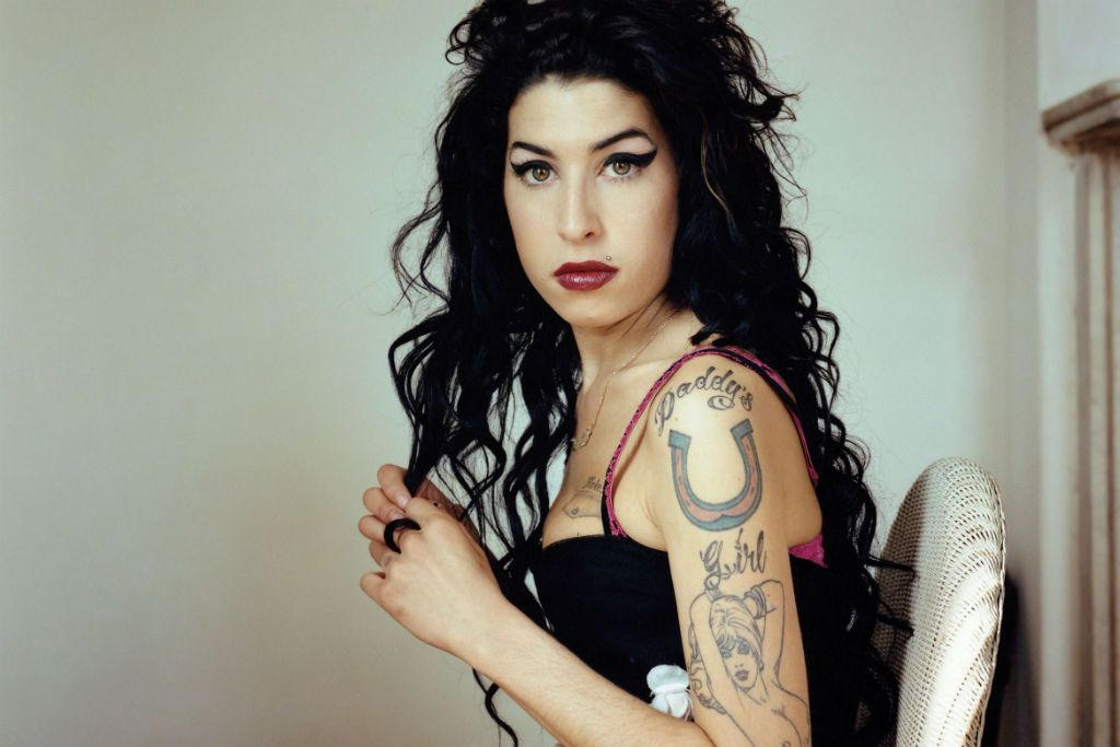 amy-winehouse-stronger-than-me-mokoa-x-mogul-remix