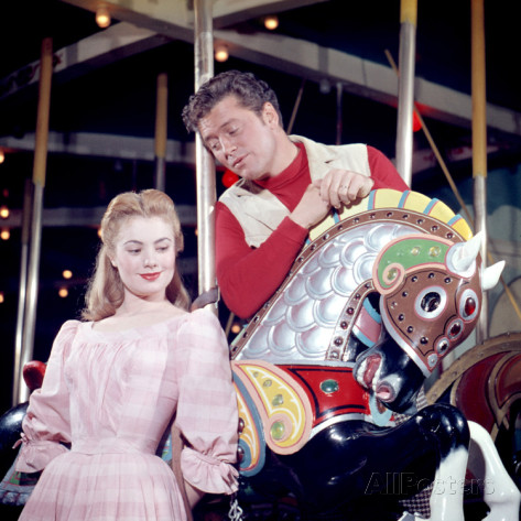Shirley Jones and Gordon MacRae in Oscar Hammerstein and Richard Rodgers Carousel